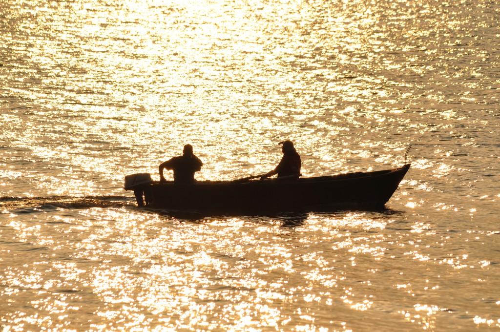 Gubbar i båt