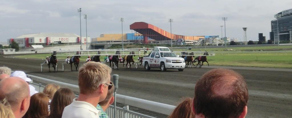 Starten går i Hambletonian Stakes 2014. Foto: travfilosofen.se